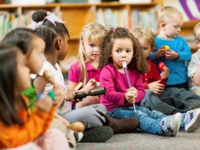 Zabawy logopedyczne mające wpływ na rozwój mowy już od pierwszych miesięcy życia